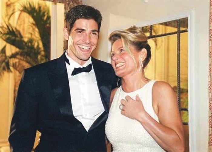 """Com Reynaldo Gianecchini, durante gravação da novela """"Laços de Família"""", no Copacabana Palace, no Rio de Janeiro (Abril/2000). Os dois formavam o casal de namorados Edu e Helena"""