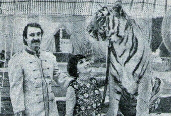 Desde pequena María Antonieta de las Nieves (centro) atua na televisão e no cinema mexicano