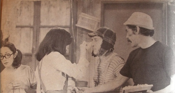 Édgar Vivar, ator que interpretava o Sr. Barriga e o Nhonho no seriado 'Chaves', virá ao Brasil para apresentar seu novo espetáculo, no dia 18 de setembro. O show exibirá cenas dos bastidores de 'Chaves' e 'Chapolin' que fazem parte do acervo pessoal do ator. O espetáculo acontece em São Paulo, e os ingressos variam de R$ 45 a R$ 90.