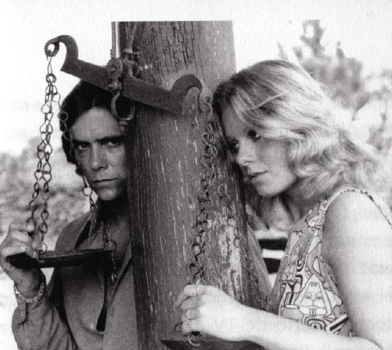 """Em cena com David Cardoso no filme """"As fêmeas"""" (1972)"""