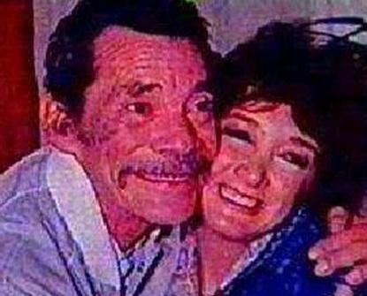 Esta foto da década de 80 mostra um momento muito especial para María Antonieta. Ela, que interpretou a filha de Seu Madruga durante anos, chora sempre que fala do ator Rámon Váldez, com quem diz ter tido um relacionamento de pai para filha que ultrapassou a tela. Rámon morreu em 1988.
