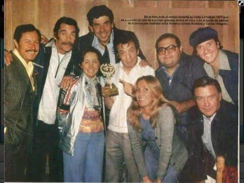 Foto mostra o elenco de 'Chaves' e 'Chapolin'