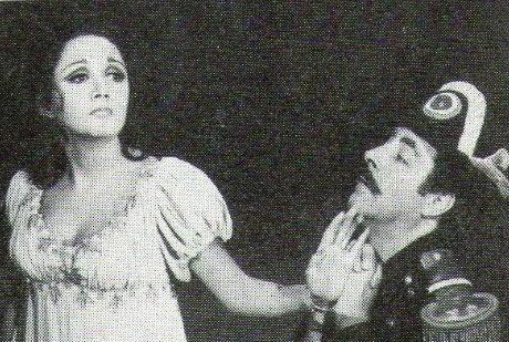 Nesta foto, imagem do programa 'Pampa Pipiltzin' (1974), com María Antonieta de las Nieves e o ator Julio Lucena, que não participa do seriado 'Chaves'