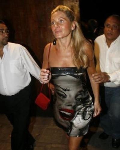 """Vera parecia um pouco """"aérea"""" ao chegar à festa de Wolf Maya (Setembro/2007)"""