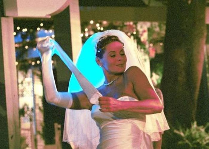 "Vestida de noiva, Vera grava cena da novela ""O Clone"", da TV Globo (Novembro/2001)"
