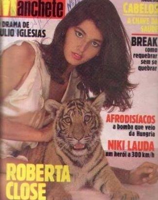 """Roberta Close estrelou ensaios e capas de muitas revistas nos anos 80, como a antiga """"Manchete"""". Em 1989, fez uma cirurgia de redesignação sexual na Inglaterra e passou a lutar pelo direito de trocar de nome"""