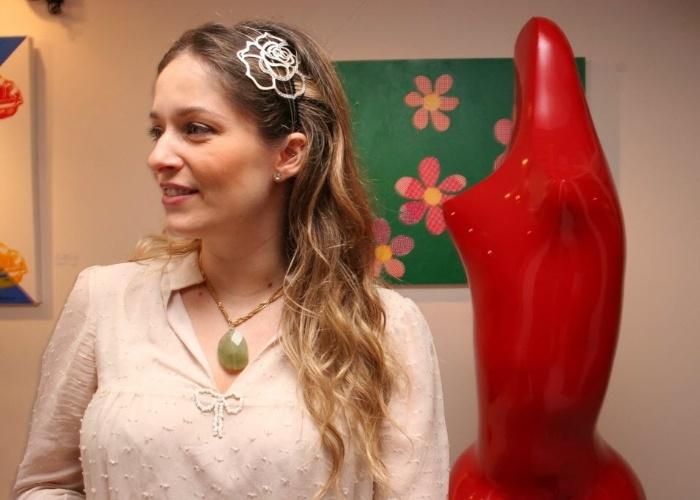 24.mar.2008 - Luciana Vendramini comaparece à abertura da exposição do artista plástico Rubem Duailibi, em São Paulo.