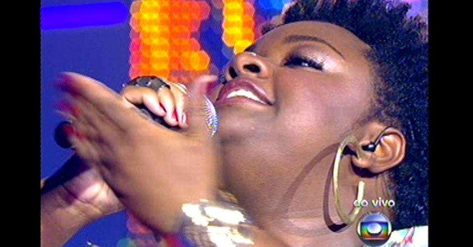 "16.dez.2012 - Ellen Oléria se apresenta na grande final do ""The Voice Brasil"""
