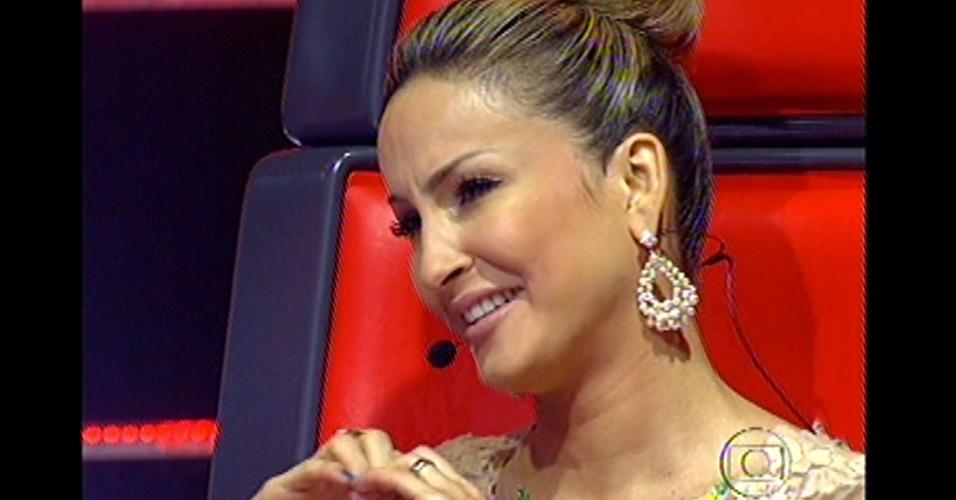 16.dez.2012 - Técnica Cláudia Leitte é a próxima a apresentar os seus finalistas no 'The Voice Brasil'