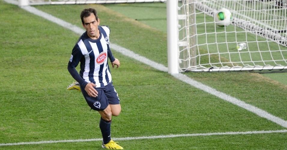 16.dez.2012 - Delgado, atacante do Monterrey, comemora após marcar o segundo gol da sua equipe na vitória sobre o Al Ahly, na disputa pelo terceiro lugar do Mundial de Clubes, no Japão, que serviu de preliminar à final