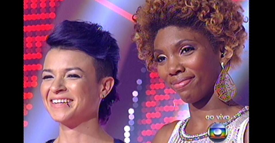 16.dez.2012 - Finalistas esperam decisão de Lulu Santos
