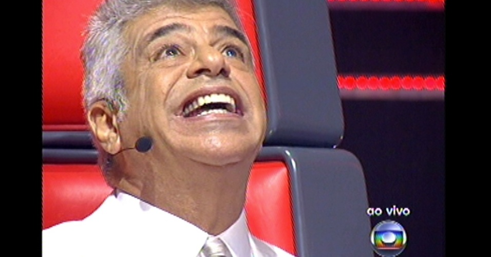 16.dez.2012 - Lulu Santo demora para escolher sua finalista