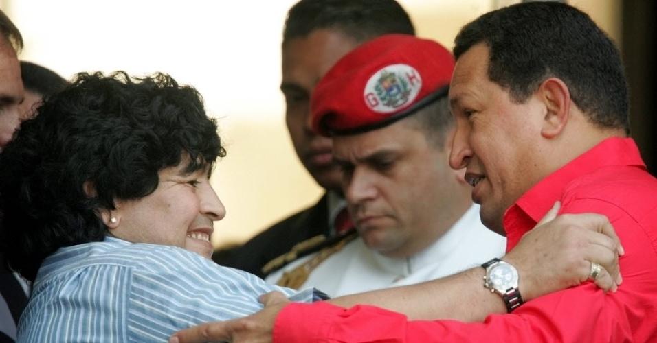 2003 - No final de 2002 e início de 2003, Chávez enfrenta uma greve geral de 62 dias que atinge o setor petrolífero