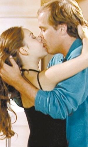 http://f.i.bol.com.br/2012/12/28/29abr2001---sandy-e-guilherme-fontes-se-beijam-na-novela-estrela-guia-1356738020293_300x500.jpg