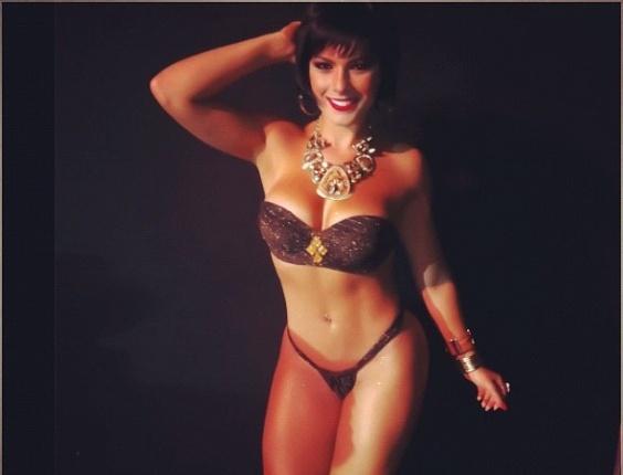 30.dez.2012 - De biquíni, Bárbara Rossi posta foto no Instagram