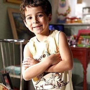 Ator de sete anos interpreta o filho da protagonista na trama das nove
