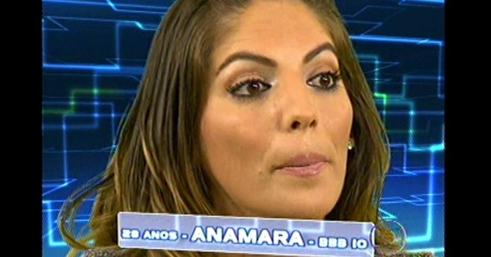 8.jan.2013 - Sensual e polêmica, Anamara também ganhou uma chance para voltar para o programa