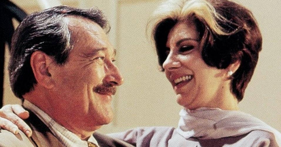 """29.mar.1996 - Os atores Paulo Goulart e Marília Pêra em cena da novela """"O Campeão"""""""