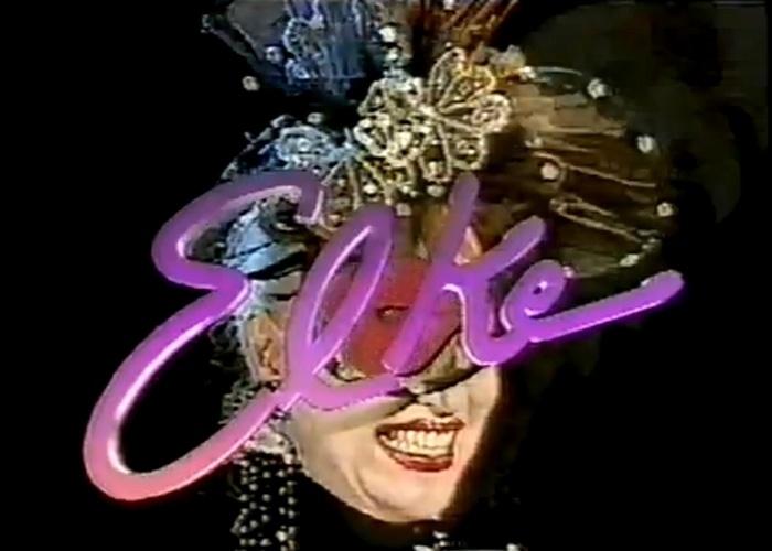 """1993 - Elke Maravilha estreou o talk show """"Elke"""", no SBT. Na atração, a atriz repetia sempre o bordão """"Crianças, beijados e arrasados!"""". Elke também já esteve à frente do """"Quadro Esotérico"""", no programa """"Amaury Jr."""", na Band"""