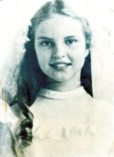 Elke Maravilha na infância. A atriz se mudou para o Brasil aos 6 anos de idade