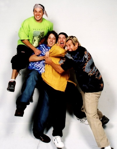 12.nov.2001 - Chorão, Marcão, Pelado e Champignon, da banda Charlie Brown Jr.