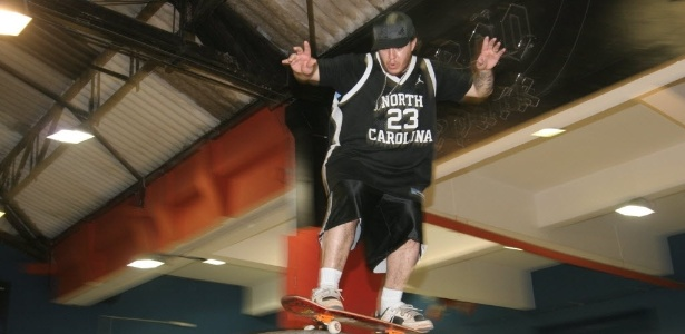 Chorão foi skatista profissional e tinha pista particular em Santos