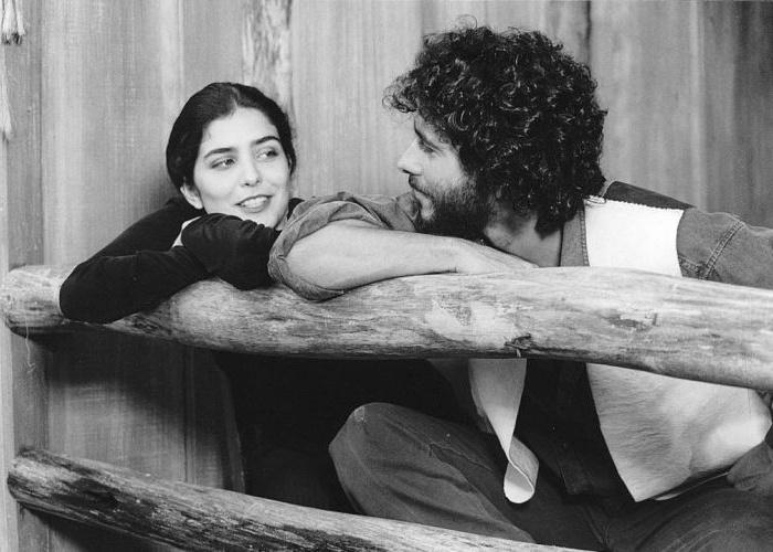 """9.mar.1995 - Na trama de """"Irmãos Coragem"""", Letícia Sabatella atuava ao lado do ator Marcos Palmeira"""