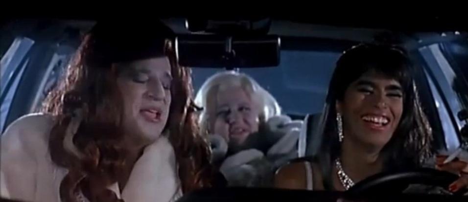 """No início dos anos 90, Roberta Nunes de Marchi estrelou o filme """"Anni 90"""" ao lado de Christian De Sica (filho do renomado cineasta italiano Vittorio De Sica). De passagem pelo Brasil (Roberta mora na Suíca há 20 anos), a morena faz planos para retomar a carreira de atriz"""