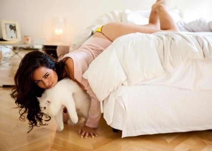 Confira fotos da trajetória da atriz Nanda Costa