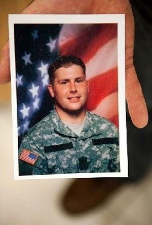 O militar norte-americano Richard Yarosh foi outro soldado que lutou no Iraque e tinha esta aparência antes de partir para a guerra