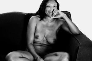 De Fotos Chamadas Nu Honesto Ele Clica Mulheres Nuas Em Posicoes