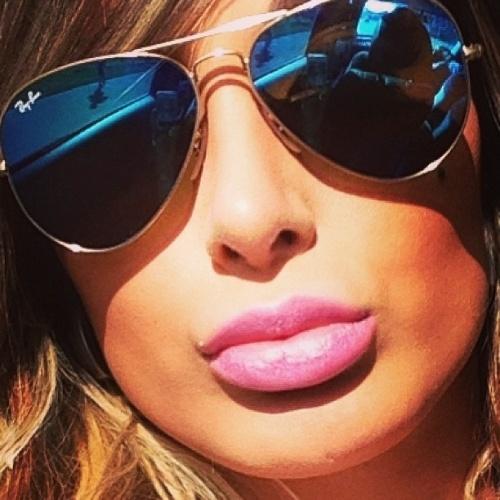 22.abr.2013 - Andressa Urach já não faz mais segredo. Após passar por um procedimento cirúrgico para aumentar os lábios, a gata finalmente mostra o resultado de um visual com a boca mais carnuda. Está aprovada?