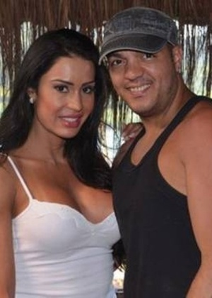 Gracyanne Barbosa e Belo foram processados por uma dívida de R$ 18 mil; objetos vão a leilão em 12 de agosto