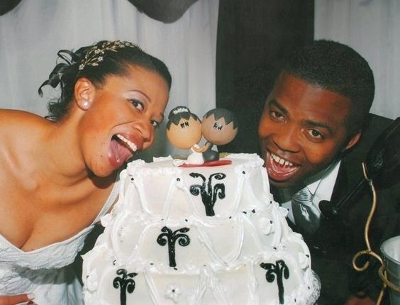 """Carlos Ferreira e Regiane Baptista dos Santos Ferreira / Franco da Rocha (SP) 10/09/2012. """"Nos casamos no dia do meu aniversário. Foi o melhor momento que uma mulher pode viver"""", disse Regiane"""