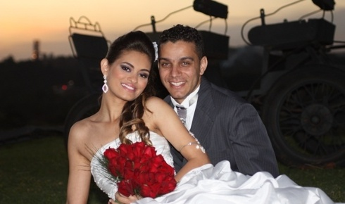 """Herbert e Ana Paula Lemos / Santa Luzia (MG) 07/07/2012. """"No dia de completarmos cinco anos de namoro nos casamos, sendo inesquecível para nós esta data..."""", disse Ana Paula"""