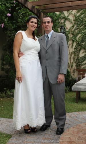 """Kaulan Rodrigues da Cunha e Priscilla Pereira Salles se casaram em 6 de abril de 2013. O casamento foi apenas no civil e foi realizado na cidade de Ribeirão Preto (SP). """"Foi uma benção de Deus, que nos uniu. Estamos muito felizes, teremos uma menina em dezembro deste ano"""", relatam os noivos."""