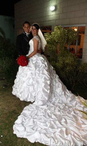 Priscila Iglesias e Geison Alves se casaram no dia 13 de outubro de 2013, em Hortolândia (SP).