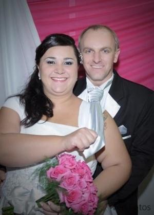 """Mario Cesar Capalonga se casou com Elisangela Ferreira Soares na cidade de Encantado (RS), no dia 21 de abril de 2012. """"Podemos dizer que o dia do nosso casamento foi inesquecível"""", relata Elisangela."""