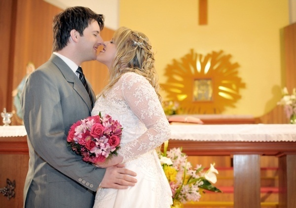 """O casamento de Michelle e Ramiro de Freitas Farenzena foi uma """"noite mágica"""". Eles se casaram em Bento Gonçalves (RS), no dia 1º de setembro de 2012."""