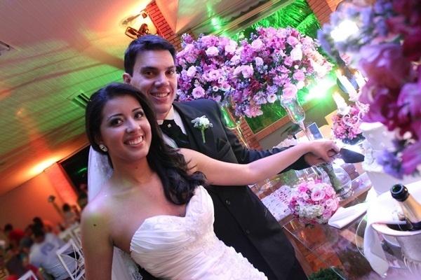 O casamento de Paulo José Modena e Débora Aparecida de Oliveira Modena foi em Mogi Mirim (SP), no dia 3 de novembro de 2012.