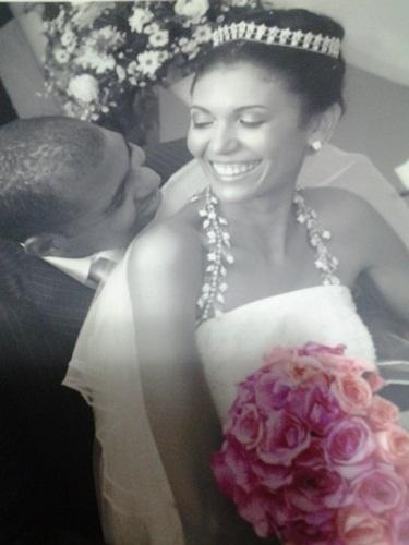 Os noivos Marcus Fabricio Oliveira e Alexsandra Oliveira são de Salvador (BA); eles se casaram no dia 11 de abril de 2009.