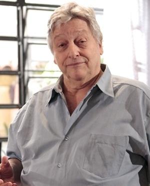 Denizard Trajano Araújo (Fulvio Stefanini) - Marido de Ordália, Denizard é pai de Bruno, Carlito, Luciano e Gina. Homem simples, batalhador e muitas vezes rude, criou os filhos com dificuldade