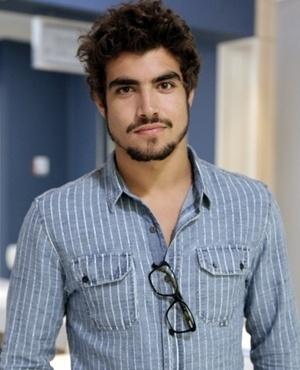 Michel Gusmão (Caio Castro) - Michel é um médico residente do Hospital San Magno. Bonitão, malhado, é desejado por muitas mulheres que trabalham com ele