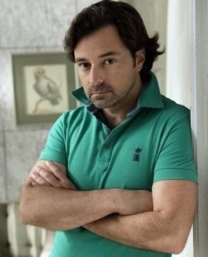 Murilo de Andrada Lemos Corrêa (Emilio Orciollo Netto) - Filho de Gigi, Murilo ainda mora com a mãe. Bonito, desocupado e preguiçoso, vive prometendo arrumar emprego, mas nunca consegue