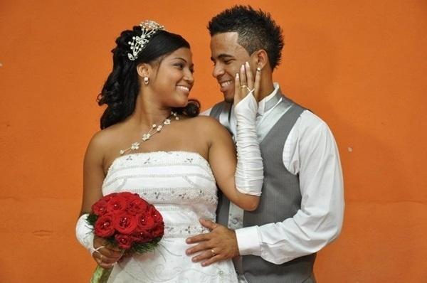Eder Junio Silvestre e Daiane Soares da Silva, de Contagem (MG), festejaram o grande dia em 22 de janeiro de 2012.