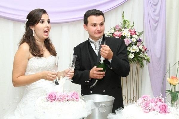 "Luciano José Crotti e Luciana Roberta Villa Crotti, de Leme (SP), se casaram em 23 de setembro de 2011. ""O dia mais feliz de nossas vidas!"", disse Luciana."