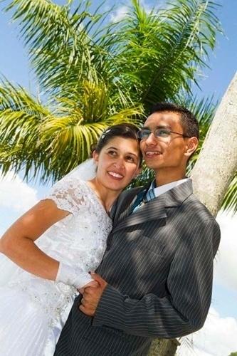 O casamento de Douglas Lupifieri e Aline Leticia foi em Caçapava (SP), no dia 11 de novembro de 2011.