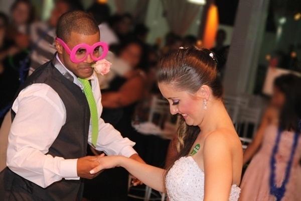 O casamento de Felipe Nogueira Barbosa e Bruna Karolyne Bueno Barbosa foi em Ribeirão Pires (SP), no dia 27 de outubro de 2012.