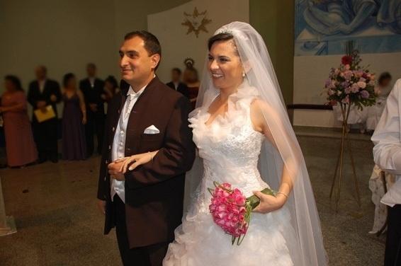 O casamento de Richard e Elizângela Tezzei foi em Mairiporã (SP), em outubro de 2011.