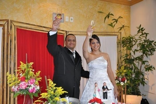 Paulo Victor Pereira Jesuíno e Fernanda Ap. dos Reis Jesuíno são de Indaiatuba (SP). Eles se casaram em 7 de maio de 2011.